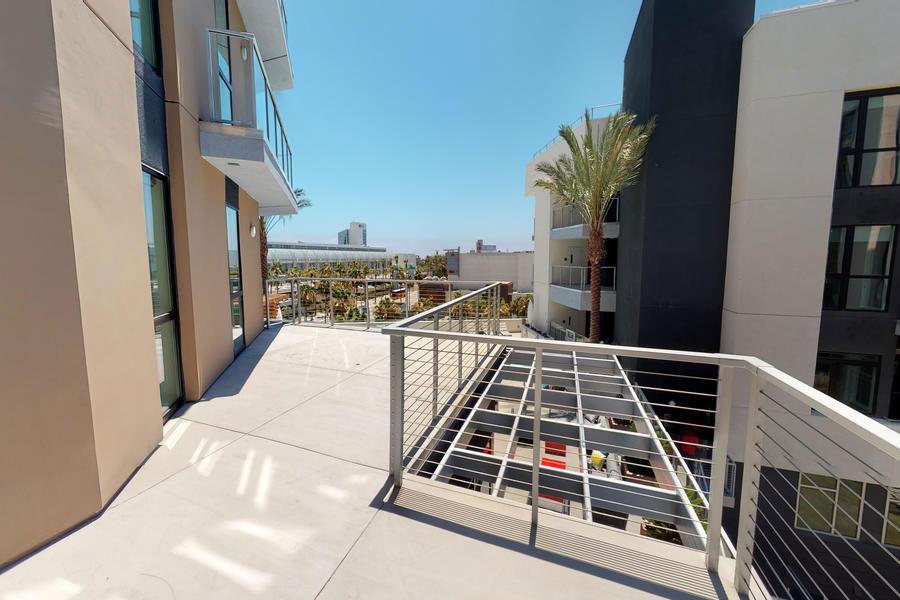 Oceanaire Apartments