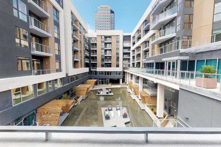 Oceanaire Apartments building